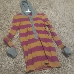 Womans Hurley top size lg